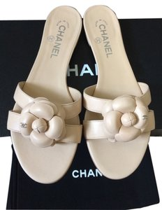 Chanel Leather Sandals Camellia Size 38.5c Leather Camellia Thongs Cc Sandals Slides Leather Thong Beige Mules