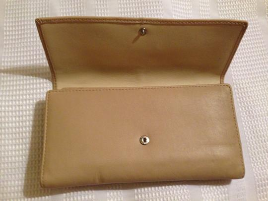 Coach Coach Parker Leather Checkbook Wallet 42451
