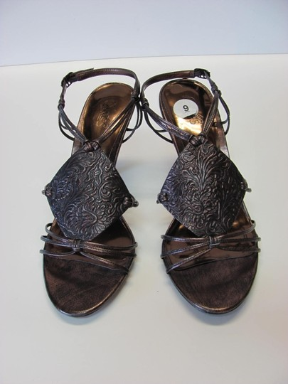 Carlos by Carlos Santana New Size 9.00 Very Good Condition Bronze Sandals Image 1