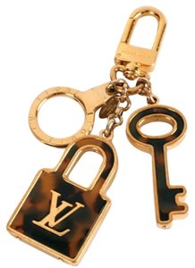 Louis Vuitton Authentic Louis Vuitton Brass & Tortoise Shell Padlock and Key Bag Charm