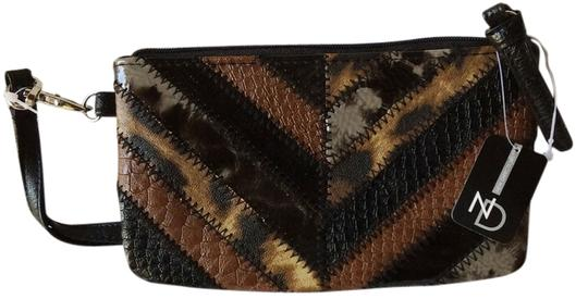 Preload https://item1.tradesy.com/images/new-directions-wristlet-multi-printed-faux-leather-wristlet-5848585-0-0.jpg?width=440&height=440