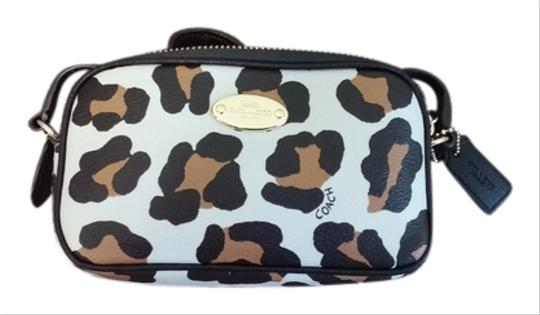 Preload https://item1.tradesy.com/images/coach-pouch-with-strap-ocelot-pvc-cross-body-bag-5856025-0-0.jpg?width=440&height=440