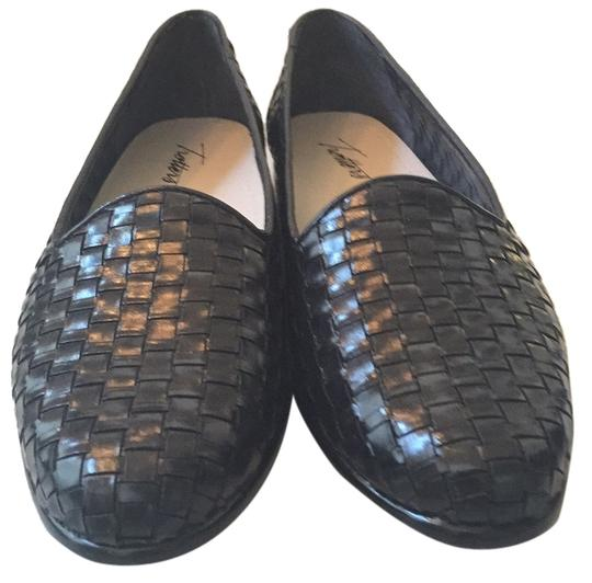 Preload https://img-static.tradesy.com/item/5858038/trotters-liz-black-flats-size-us-85-narrow-aa-n-0-0-540-540.jpg