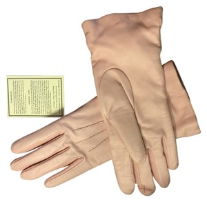Aspinal of London Hand Made Soft Pink Leather, cashmere lined, hand stiched size 7 1/2 ladies gloves