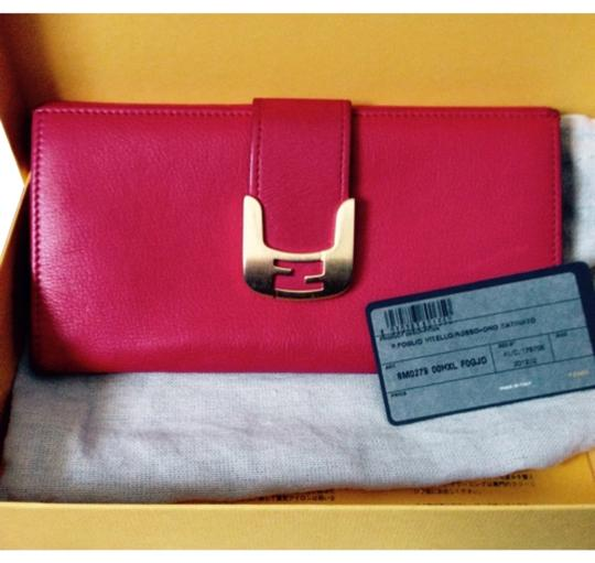 Preload https://item3.tradesy.com/images/fendi-red-chamaleon-biofold-leather-wallet-5860297-0-0.jpg?width=440&height=440