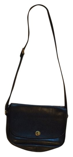 Preload https://item2.tradesy.com/images/coach-leather-cross-body-bag-5865616-0-0.jpg?width=440&height=440