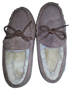 Bearpaw brown Flats