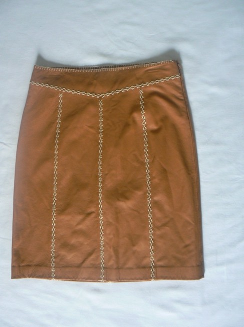 Gap Leather Color: Size: 6 Lining: Polyester Side Zipper Skirt Camel Image 1