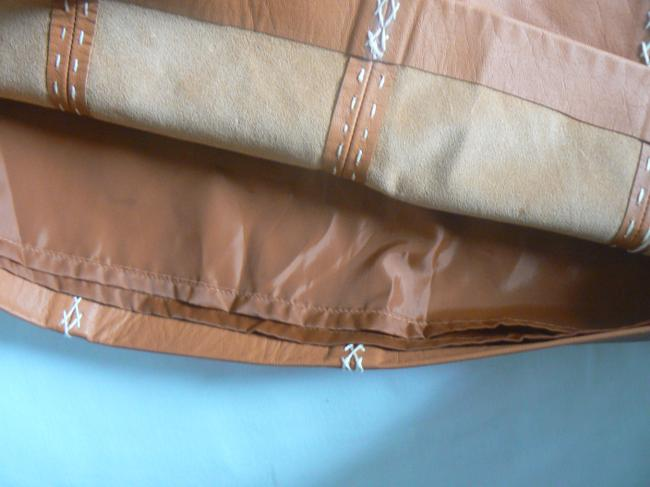Gap Leather Color: Size: 6 Lining: Polyester Side Zipper Skirt Camel Image 4