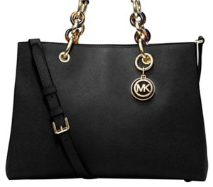 Michael Kors Cynthia Medium Signature Satchel in Balck