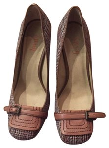 Mary Jane Pump Tan Brown Pumps