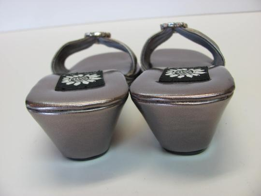 Yellow Box New Excellent Condition Leather Size 6.00 M Light Bronze Wedges