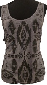 Mudd Top Heather Grey w Dark Grey Design 2x (fits like 22/24)