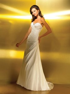Allure Bridals Allure Romance 2210 Wedding Dress