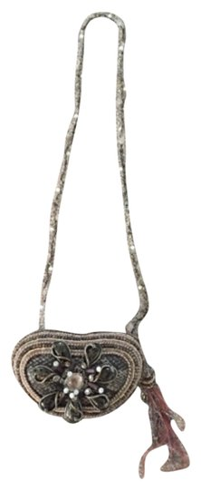 Preload https://item5.tradesy.com/images/mary-frances-shoulder-bag-brownblackcreme-beads-with-sparkle-and-gold-5872834-0-0.jpg?width=440&height=440