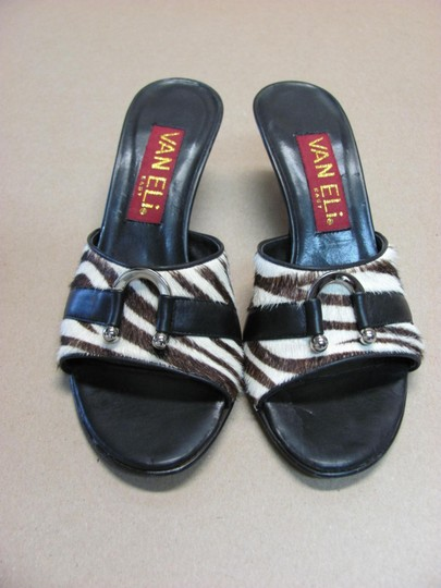 Vaneli Good Condition Size 7.50 M Black, Brown, White Sandals