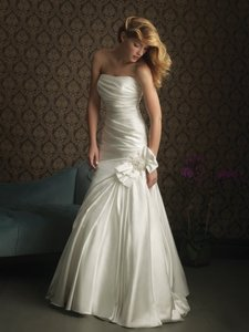 Allure Bridals Allure Bridals Style 8768 Wedding Dress