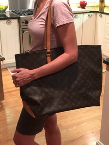 Louis Vuitton Mezzo Neverfull Tote in Brown Monogram