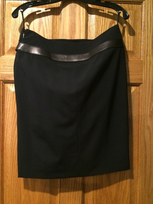 Gucci Jacket and side slit pencil skirt with leather trim. Size 40