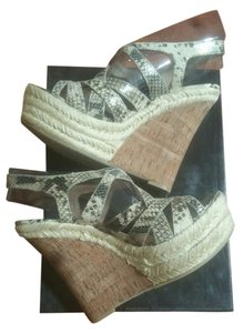 Boutique 9 multi Wedges