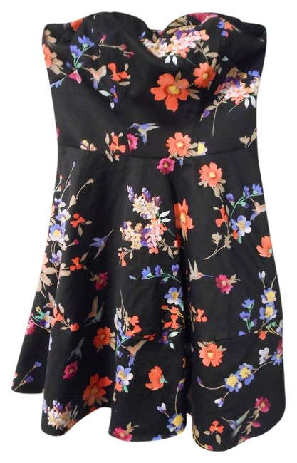 Preload https://item3.tradesy.com/images/express-black-strapless-floral-fit-and-above-knee-short-casual-dress-size-2-xs-5883217-0-0.jpg?width=400&height=650