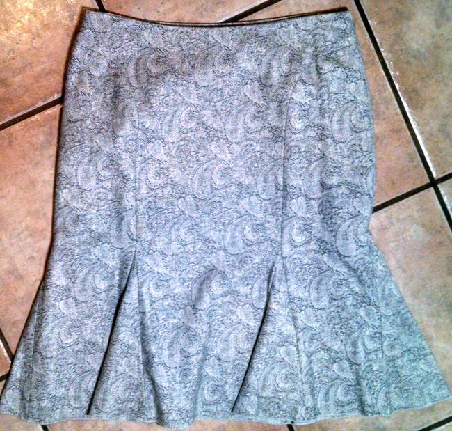 White House | Black Market 6 Knee Length Skirt gray Image 2