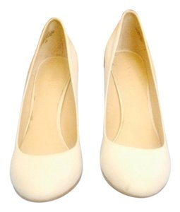 Nine West White Pumps