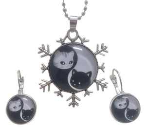 Adorable Cat Yin & Yang Necklace and Earrings Set