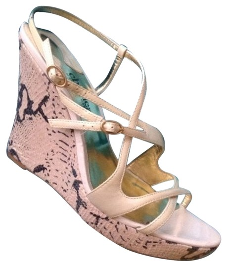 Preload https://item1.tradesy.com/images/charles-david-patent-leather-and-snakeskin-wedges-size-us-8-regular-m-b-5886250-0-1.jpg?width=440&height=440