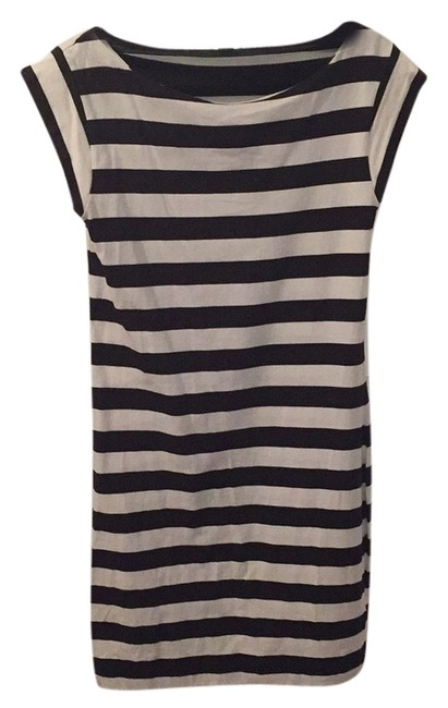 Preload https://item5.tradesy.com/images/french-connection-navy-white-striped-rn53372-above-knee-short-casual-dress-size-12-l-5887429-0-0.jpg?width=400&height=650