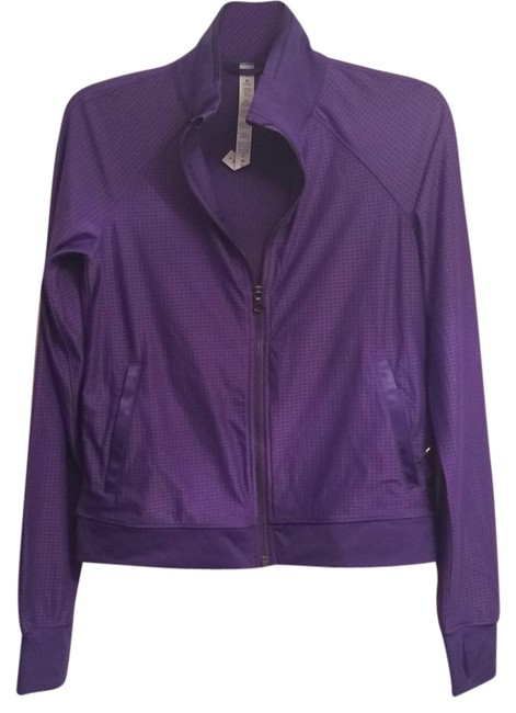 Preload https://item3.tradesy.com/images/lululemon-irsf-sweaty-or-not-activewear-jacket-size-6-s-28-5889457-0-0.jpg?width=400&height=650