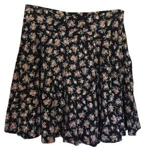 Urban Outfitters Flowy High-waisted Floral Skirt Black