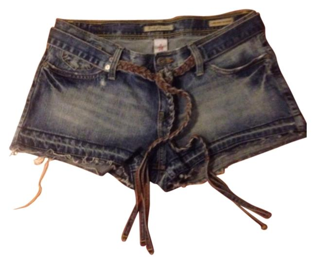 Preload https://item3.tradesy.com/images/lucky-brand-blue-cut-off-shorts-size-6-s-28-5890147-0-0.jpg?width=400&height=650