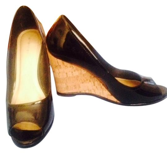 Attention Black Wedges