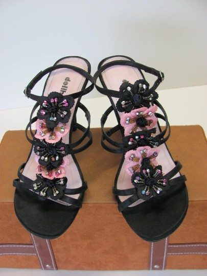 Dollhouse Very Good Condition Size 7.50 M Black, Pink Sandals