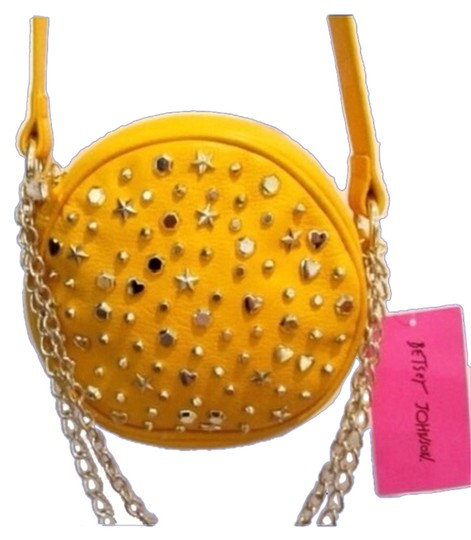 Preload https://img-static.tradesy.com/item/5900812/betsey-johnson-yellow-cross-body-bag-0-1-540-540.jpg
