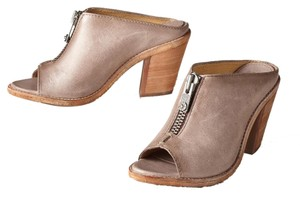 Frye The Company Jayden Cross Strap Size 9 Leather Bootie Izzzy Izzy Moto Zipper Detail Slide Pump Size 6.5 Fawn Mules