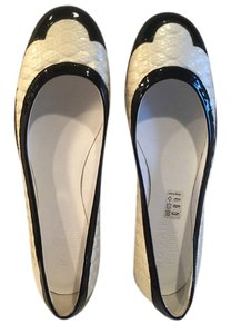 Karl Lagerfeld Cream and black Flats