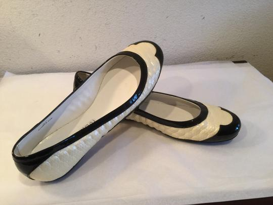Hogan Lining Cap Toe Handmade Italy $40 OFF NEW Hogan Cream embossed leather black patent leather Flats