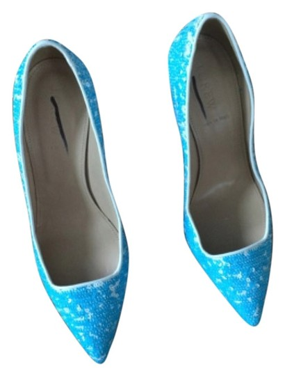 Preload https://img-static.tradesy.com/item/5906647/jcrew-blue-and-white-pumps-size-us-7-regular-m-b-0-0-540-540.jpg