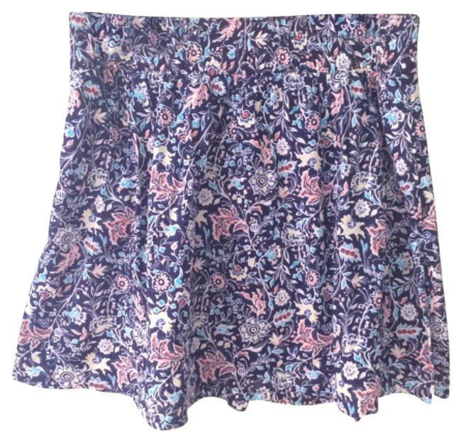 Preload https://item3.tradesy.com/images/old-navy-knee-length-skirt-size-14-l-34-5907037-0-0.jpg?width=400&height=650