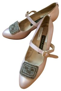 Arika Negruiz Downton Abby Vintage Blush Pink Pumps