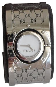 Gucci NEVER WORN! Gucci Twirl Bangle Ladies Watch