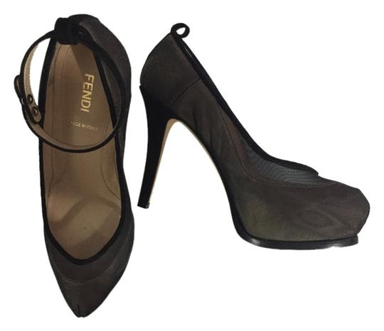 Preload https://item5.tradesy.com/images/fendi-black-and-nude-pumps-size-us-75-5911789-0-0.jpg?width=440&height=440