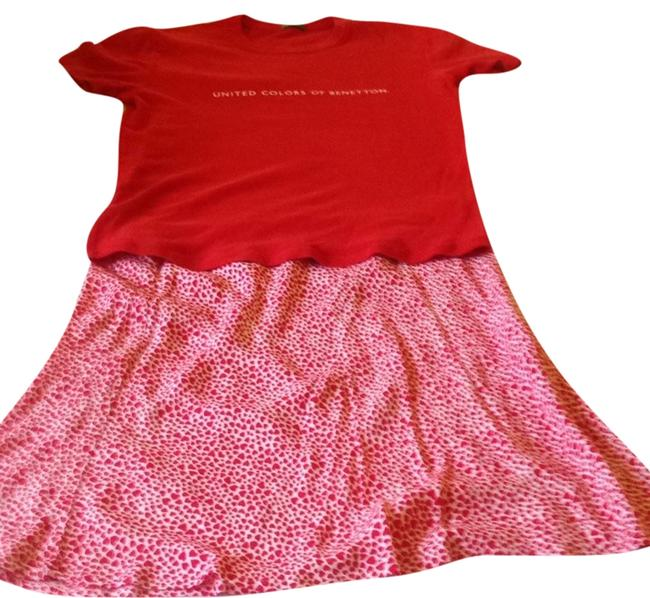 Preload https://item1.tradesy.com/images/united-colors-of-benetton-red-tee-shirt-size-10-m-5912125-0-0.jpg?width=400&height=650