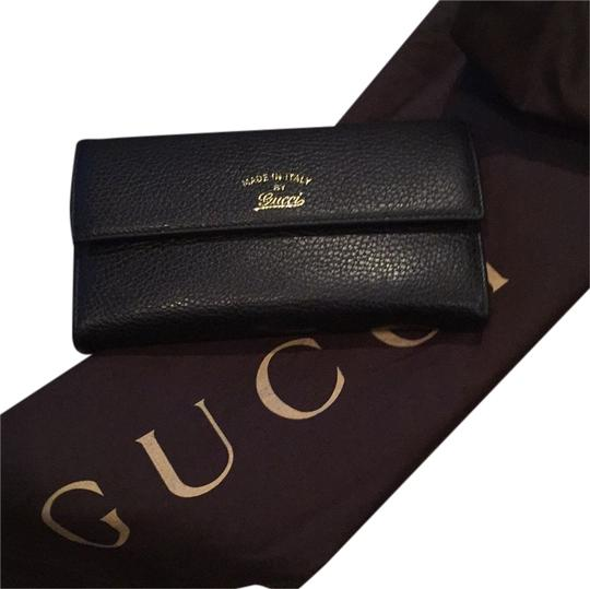 Gucci Black Leather Swing Wallet