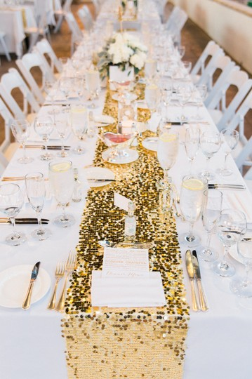 (18) Gold Sequin Table Runners