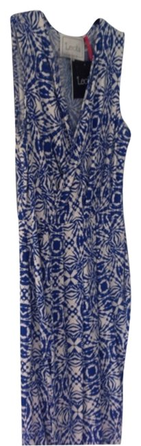 Item - Blue and White Knee Length Night Out Dress Size 4 (S)