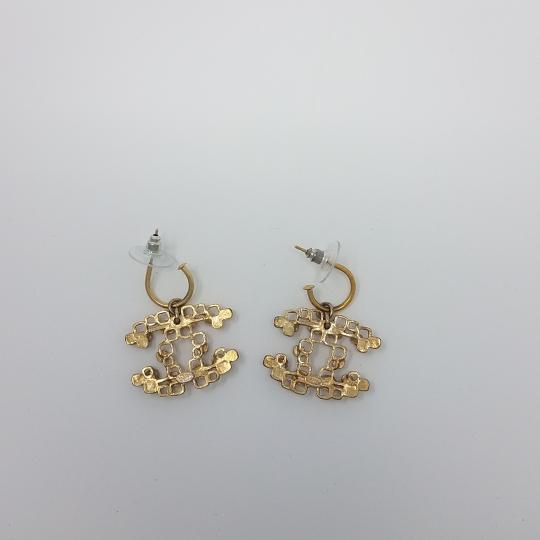 Chanel Gold-tone Chanel beaded interlocking CC logo drop earrings