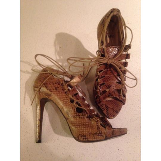 Zara Brown Snakeskin Pumps